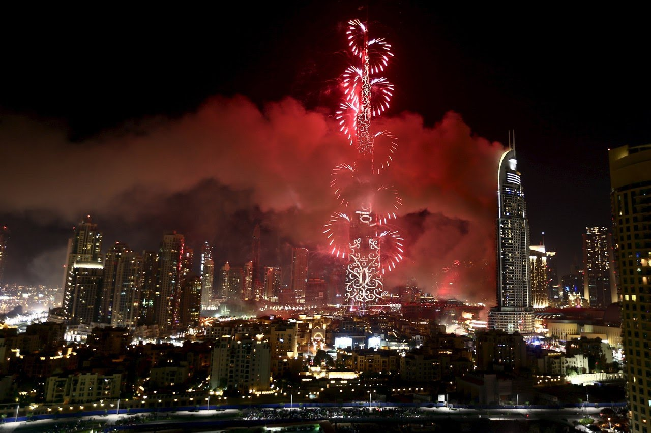 Nye 2016 downtown dubai burj khalifa fireworks burj for New hotels in dubai 2016